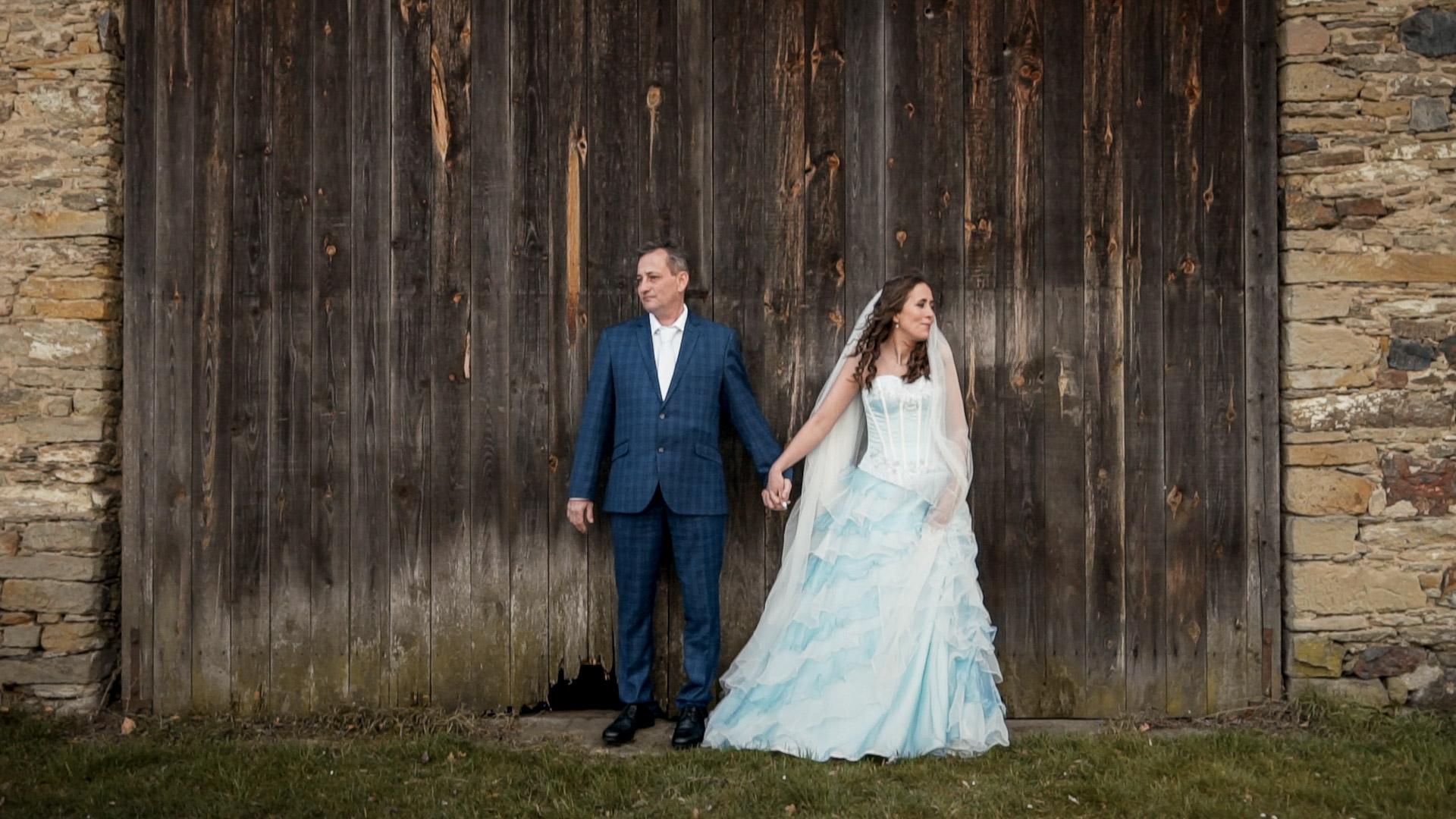 Poslední svatba v Praze před nástupem karantény. Pátek třináctého